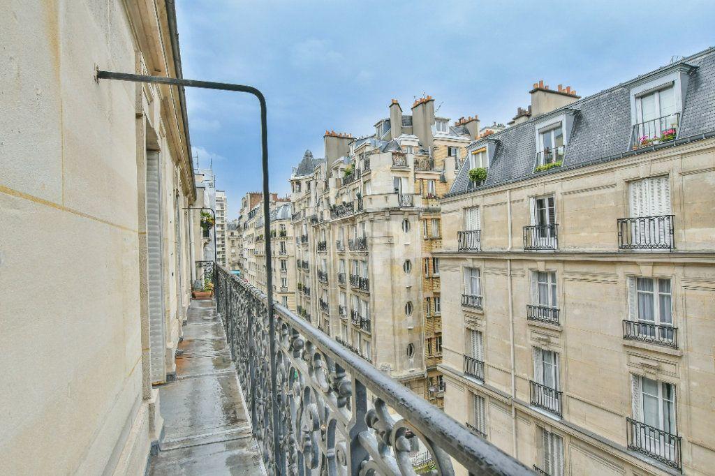 Appartement à louer 5 150m2 à Paris 15 vignette-15