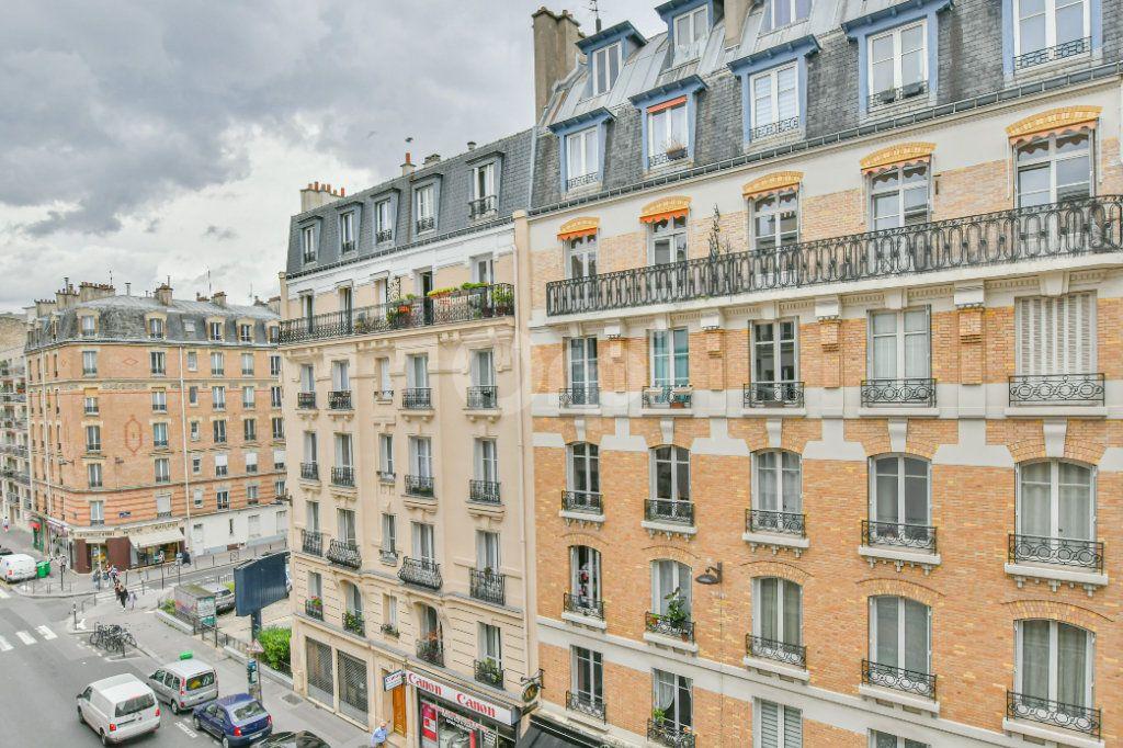 Appartement à louer 2 30.57m2 à Paris 15 vignette-2