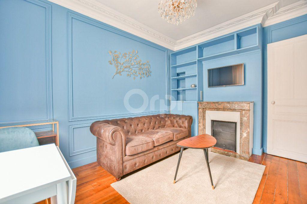 Appartement à louer 2 30.57m2 à Paris 15 vignette-4