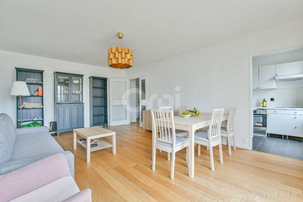 Appartement à louer 3 73.91m2 à Paris 15 vignette-1