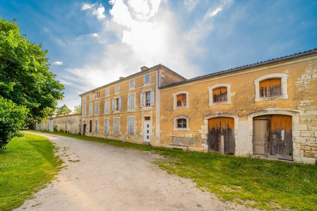 Maison à vendre 15 600m2 à Sainte-Gemme vignette-2