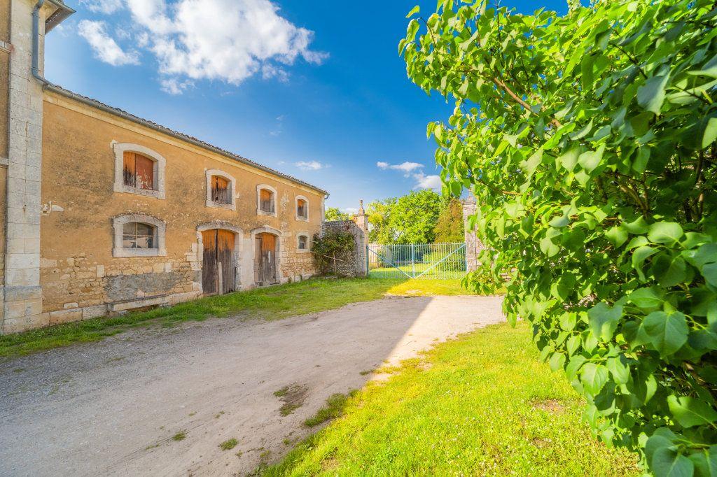 Maison à vendre 15 600m2 à Sainte-Gemme vignette-3