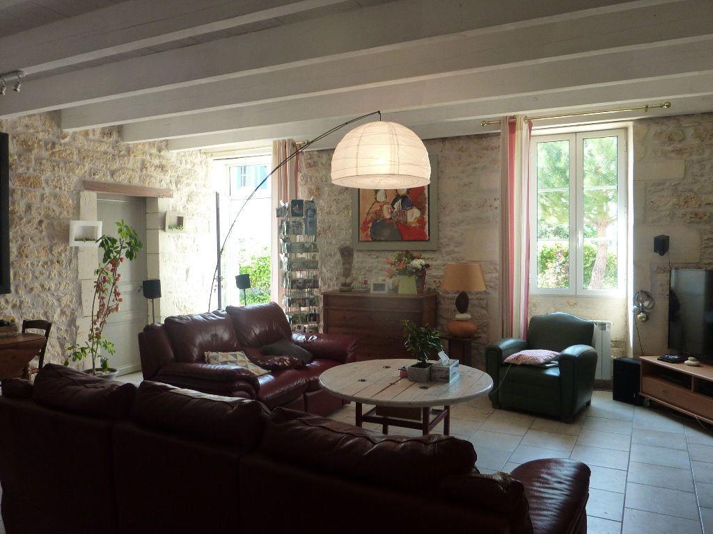 Maison à vendre 9 290m2 à Saint-Savinien vignette-13