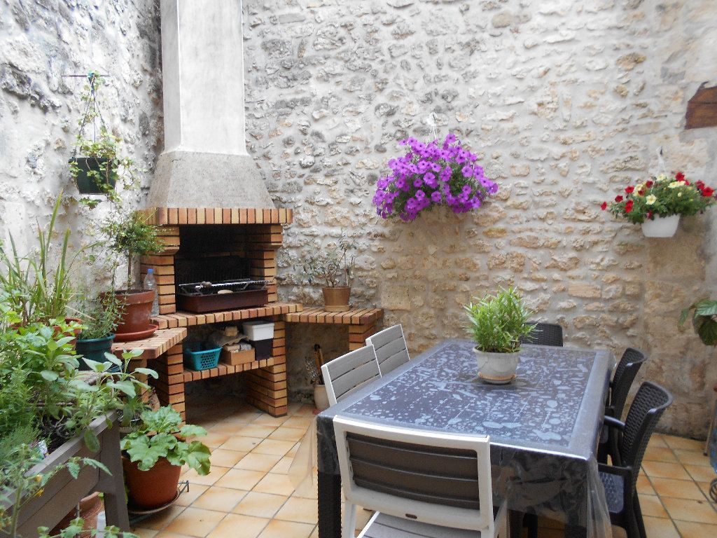 Maison à vendre 7 139m2 à Pont-l'Abbé-d'Arnoult vignette-1