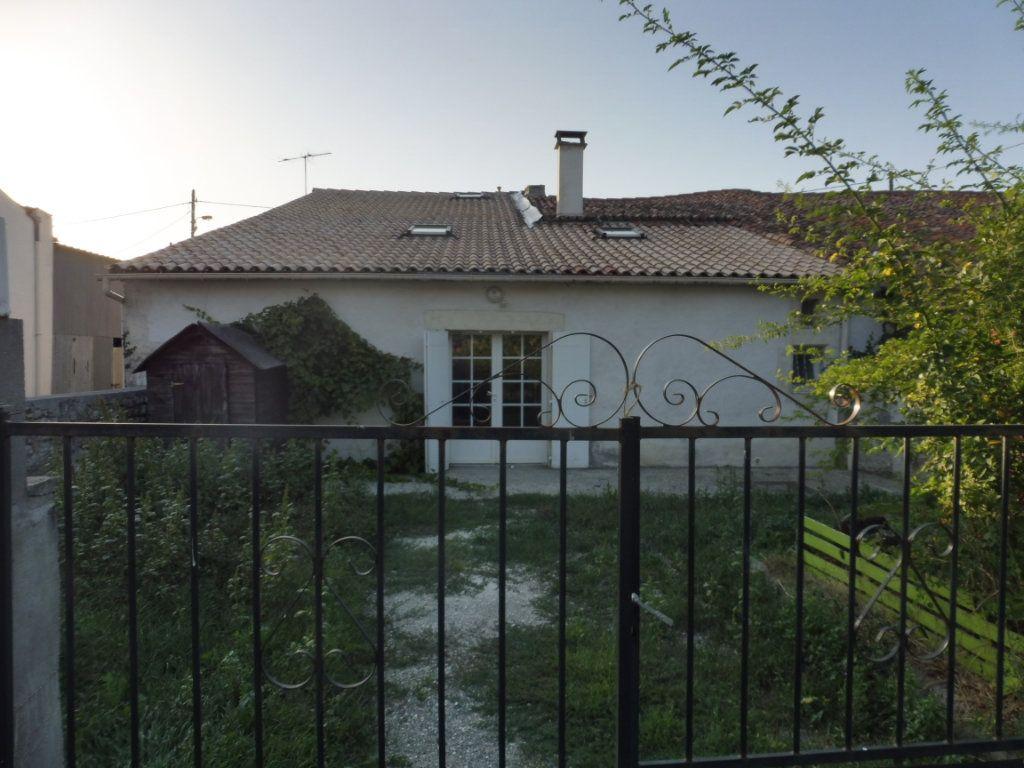Maison à vendre 5 176m2 à Saint-Savinien vignette-8