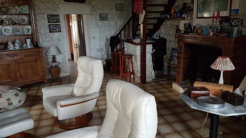 Maison à vendre 4 110m2 à Sainte-Gemme vignette-4
