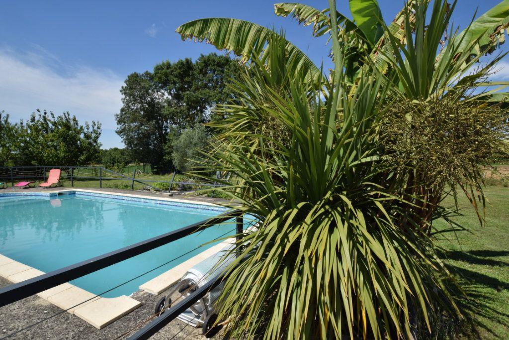 Maison à vendre 9 259.89m2 à Champdolent vignette-3