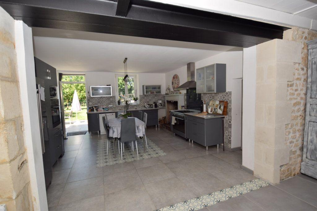 Maison à vendre 9 259.89m2 à Champdolent vignette-6