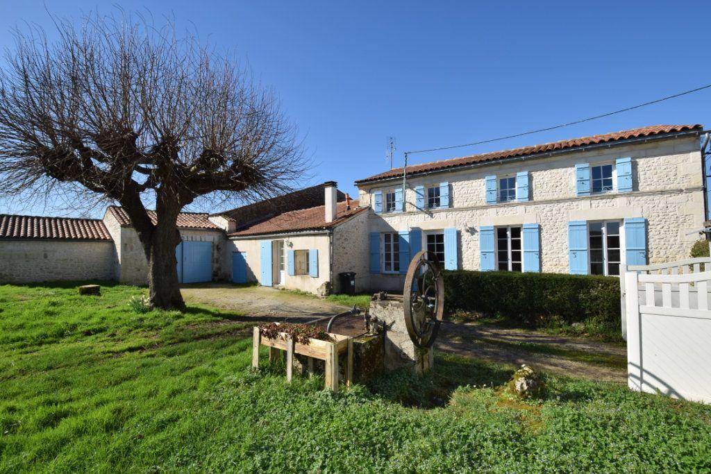 Maison à vendre 5 128m2 à Pont-l'Abbé-d'Arnoult vignette-1