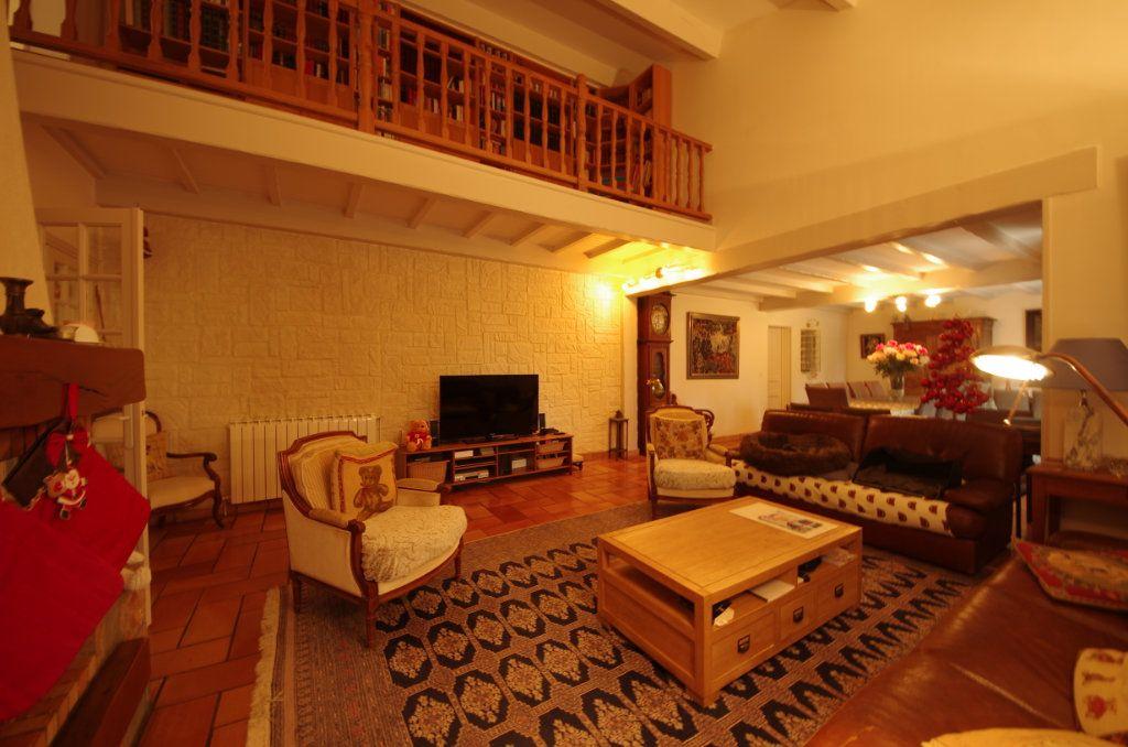 Maison à vendre 8 230m2 à Saint-Vaize vignette-2