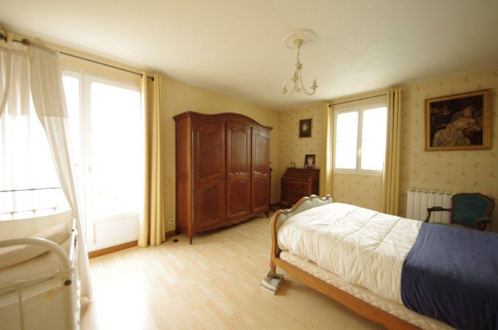 Maison à vendre 8 230m2 à Saint-Vaize vignette-5