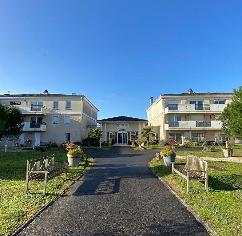 Appartement à vendre 3 74m2 à Châteaubernard vignette-1