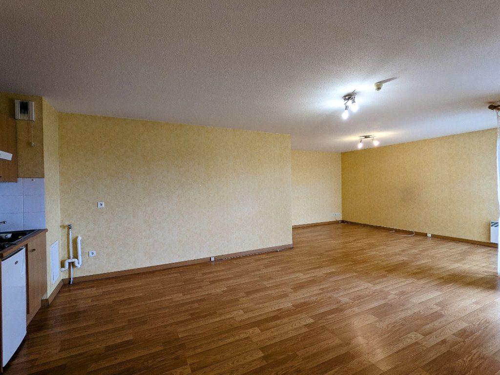 Appartement à vendre 3 74m2 à Châteaubernard vignette-2