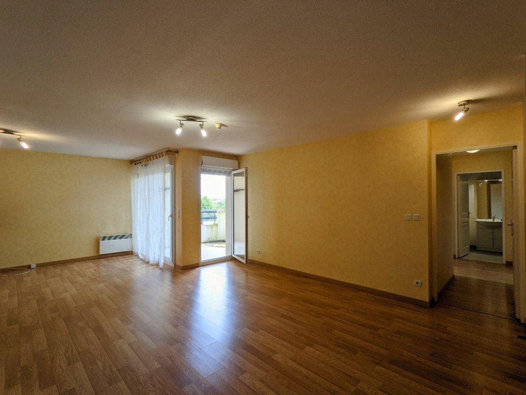 Appartement à vendre 3 74m2 à Châteaubernard vignette-4
