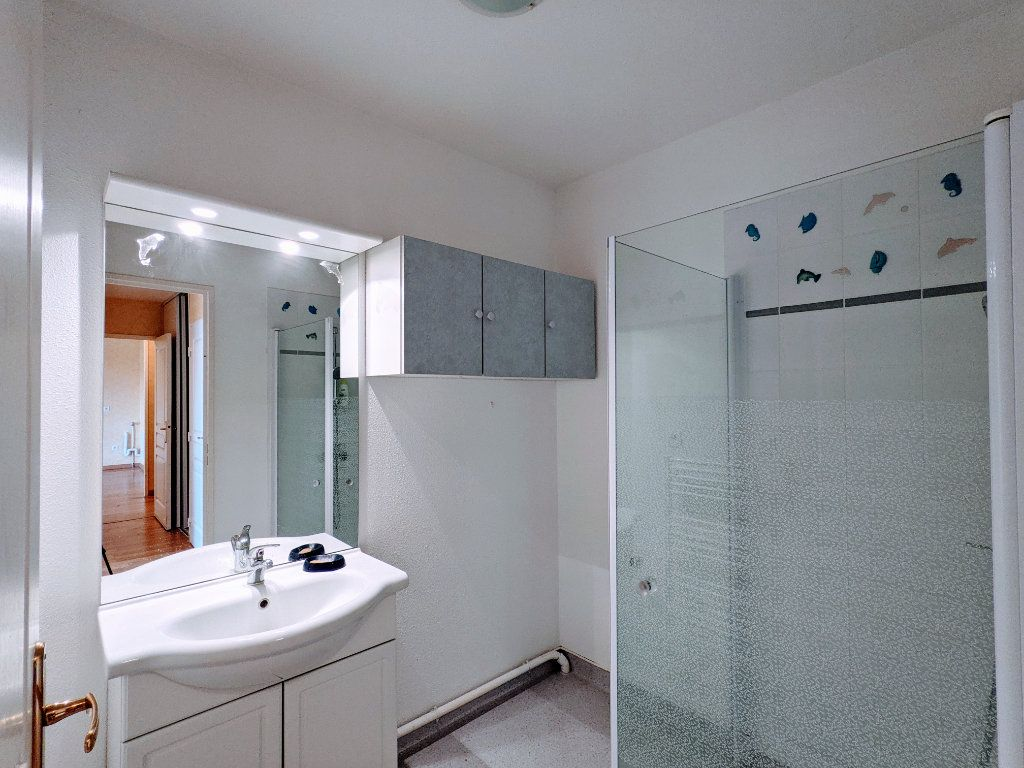 Appartement à vendre 3 74m2 à Châteaubernard vignette-5