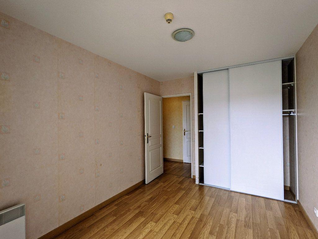 Appartement à vendre 3 74m2 à Châteaubernard vignette-7