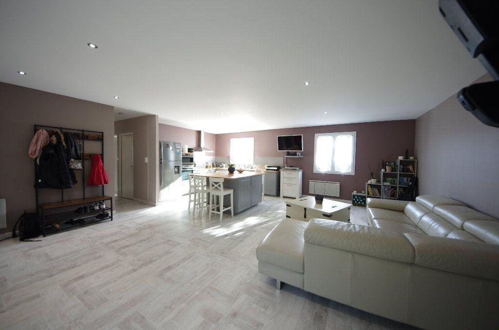 Maison à vendre 5 105m2 à Louzac-Saint-André vignette-4