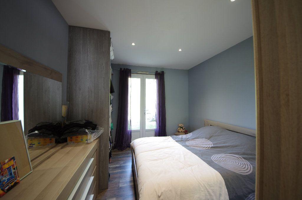 Maison à vendre 5 105m2 à Louzac-Saint-André vignette-7