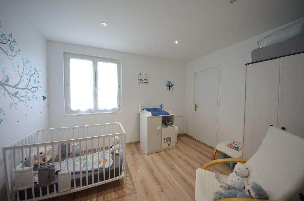Maison à vendre 5 105m2 à Louzac-Saint-André vignette-8