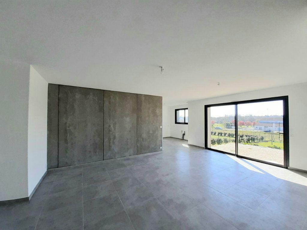 Maison à vendre 4 110m2 à Saint-Georges-des-Coteaux vignette-3