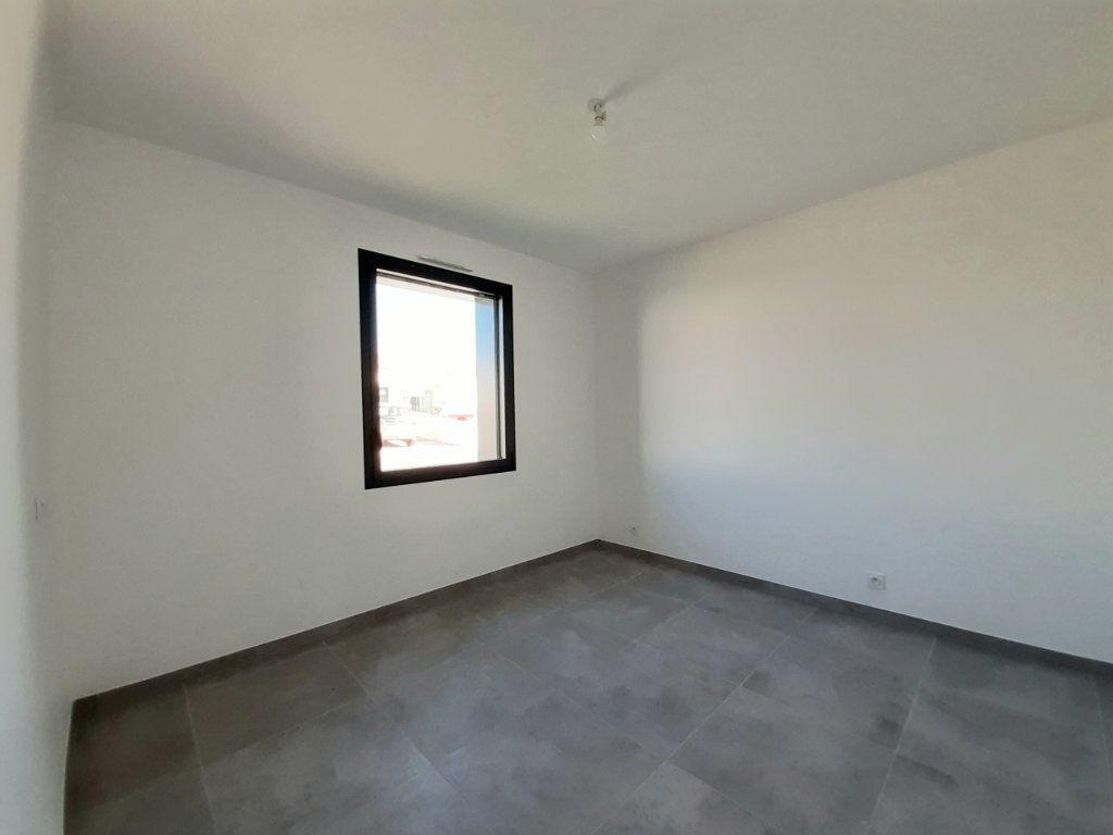 Maison à vendre 4 110m2 à Saint-Georges-des-Coteaux vignette-6