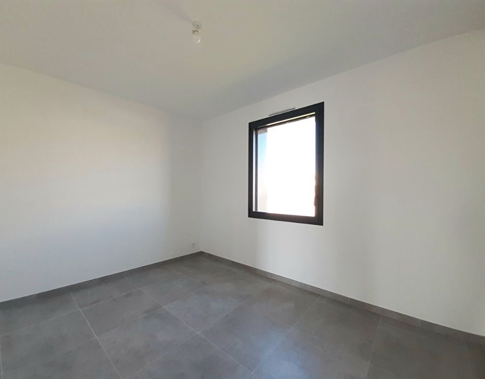 Maison à vendre 4 110m2 à Saint-Georges-des-Coteaux vignette-8