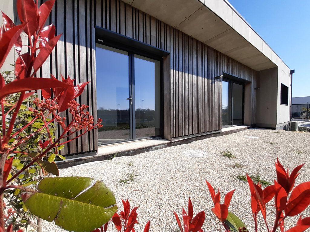 Maison à vendre 4 110m2 à Saint-Georges-des-Coteaux vignette-10
