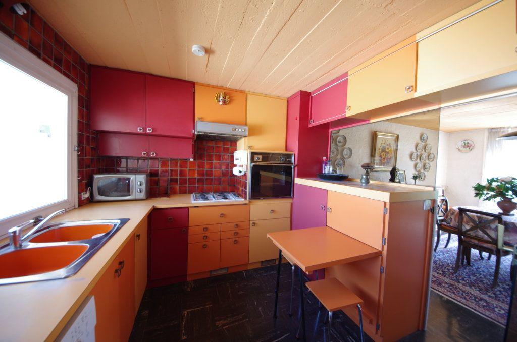 Maison à vendre 8 170m2 à Saintes vignette-4
