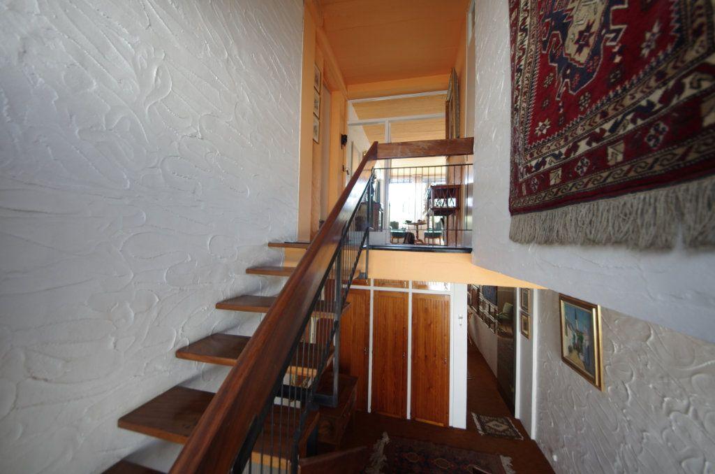 Maison à vendre 8 170m2 à Saintes vignette-5