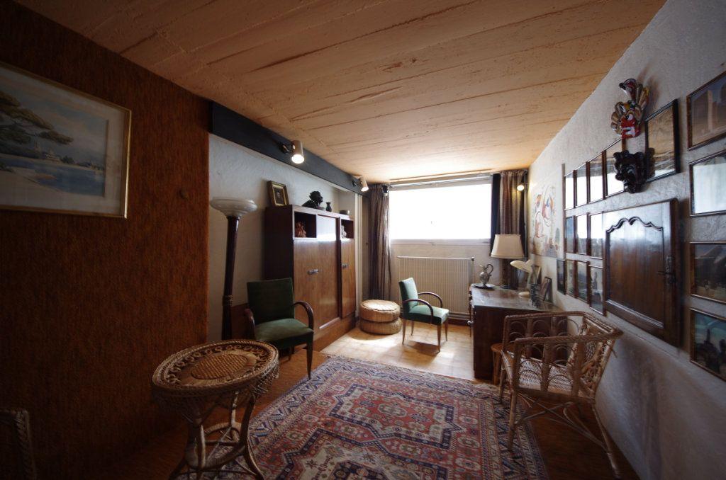 Maison à vendre 8 170m2 à Saintes vignette-6