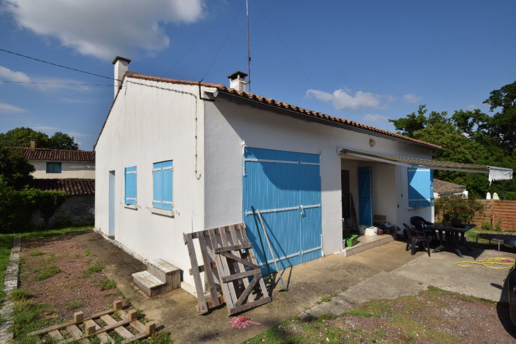 Maison à vendre 4 58m2 à Saint-Porchaire vignette-1