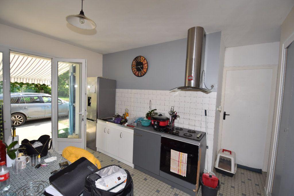 Maison à vendre 4 58m2 à Saint-Porchaire vignette-2