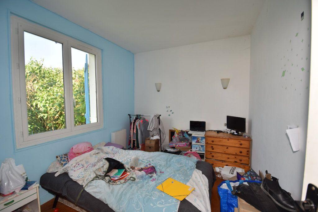 Maison à vendre 4 58m2 à Saint-Porchaire vignette-6