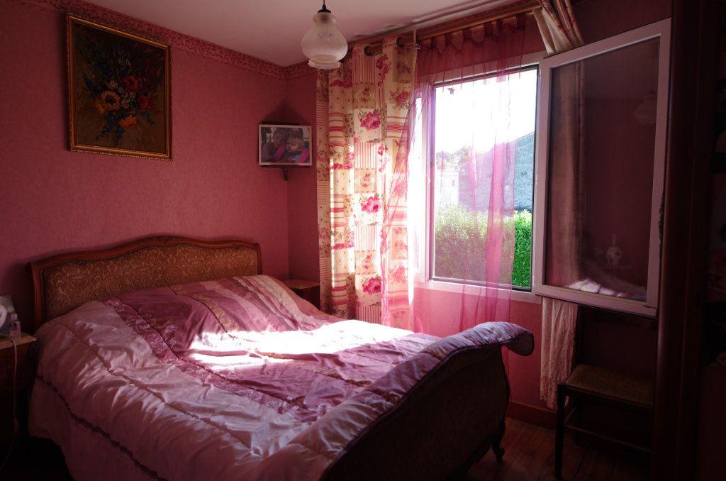Maison à vendre 4 80m2 à Saint-Savinien vignette-3