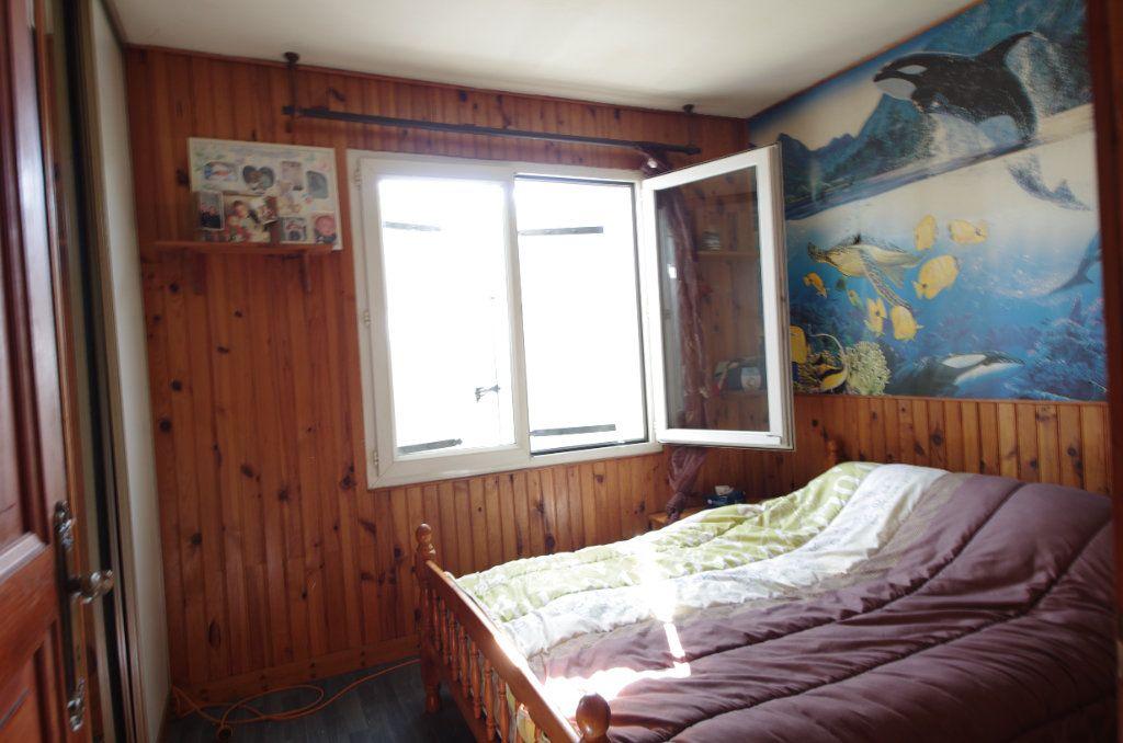 Maison à vendre 4 80m2 à Saint-Savinien vignette-5