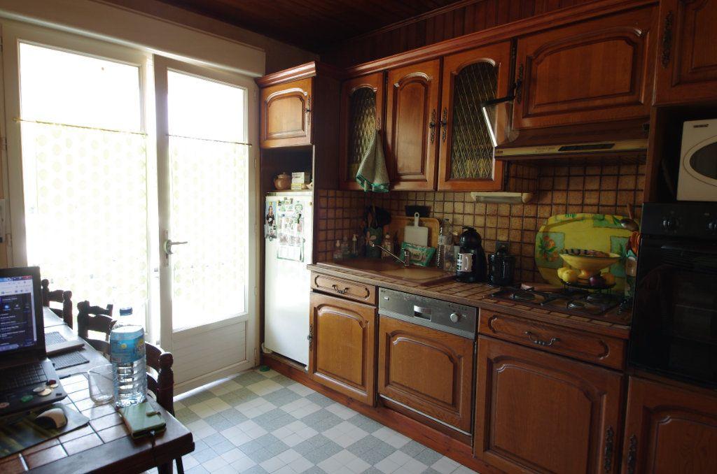 Maison à vendre 4 80m2 à Saint-Savinien vignette-7