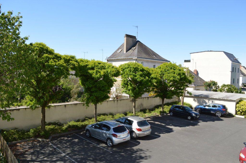 Appartement à vendre 3 65m2 à Saint-Pierre-des-Corps vignette-6