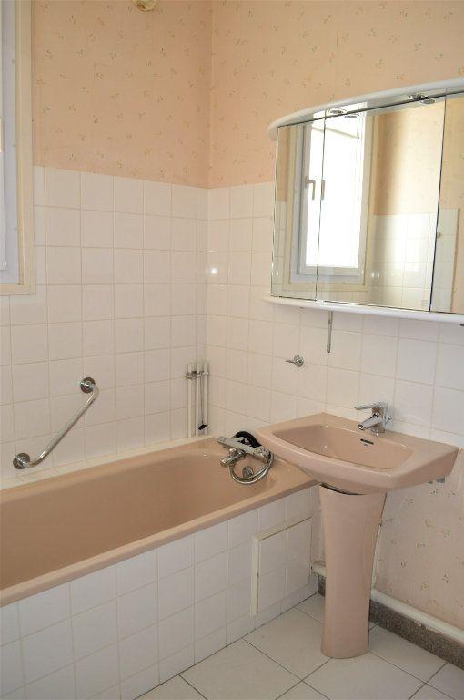 Appartement à vendre 3 65m2 à Saint-Pierre-des-Corps vignette-8