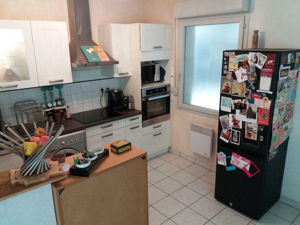 Appartement à vendre 3 62m2 à Joué-lès-Tours vignette-4