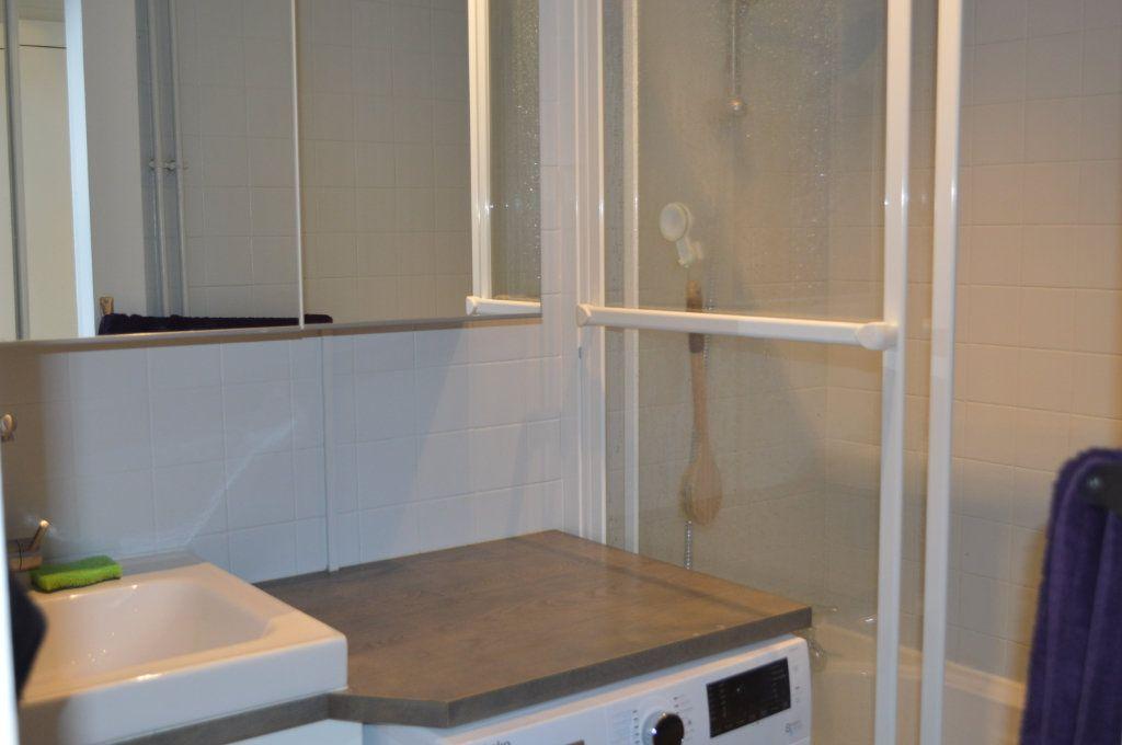 Appartement à louer 2 55.78m2 à Saint-Pierre-des-Corps vignette-4