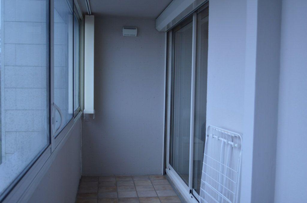 Appartement à louer 2 55.78m2 à Saint-Pierre-des-Corps vignette-8