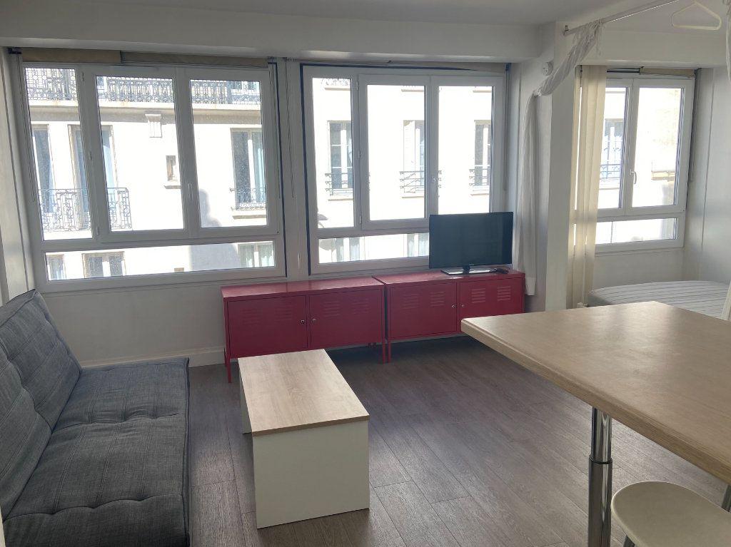 Appartement à louer 1 26m2 à Paris 15 vignette-2