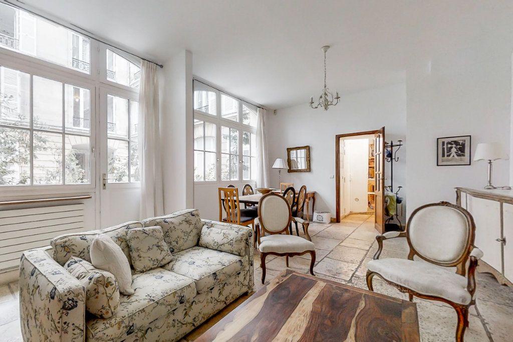 Appartement à louer 3 66.35m2 à Paris 7 vignette-2