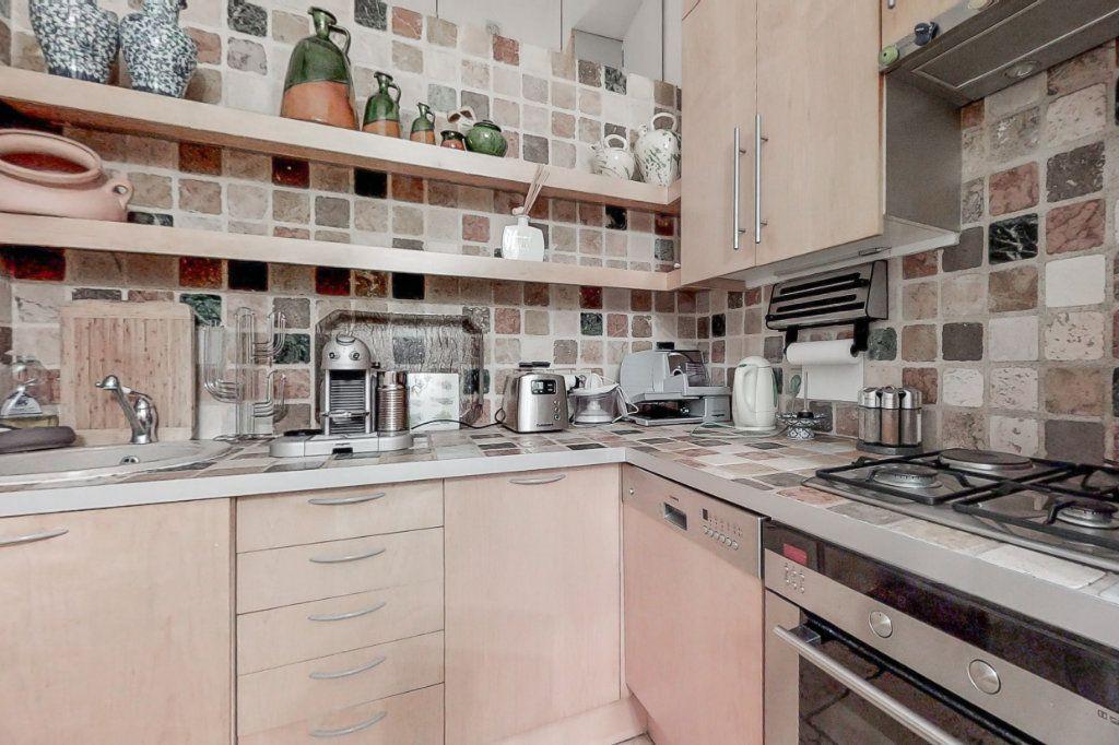 Appartement à louer 3 66.35m2 à Paris 7 vignette-7
