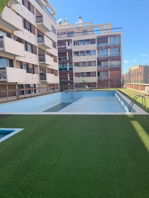 Appartement à louer 4 93.65m2 à Perpignan vignette-1