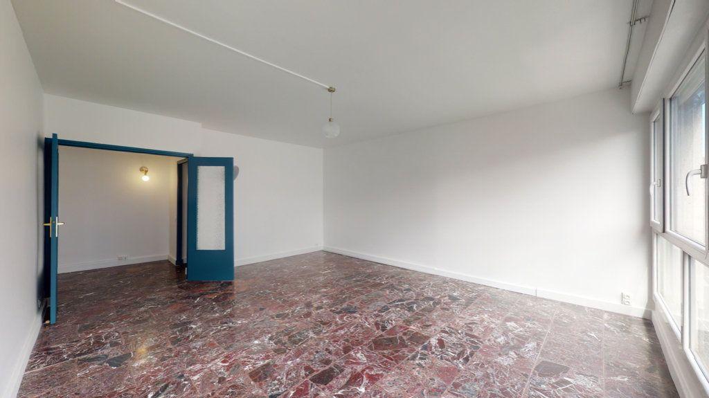 Appartement à louer 4 93.65m2 à Perpignan vignette-2