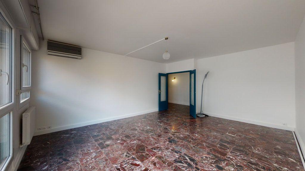Appartement à louer 4 93.65m2 à Perpignan vignette-4