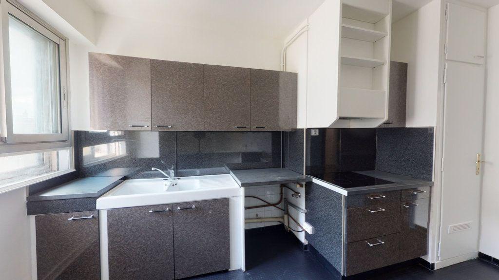 Appartement à louer 4 93.65m2 à Perpignan vignette-7