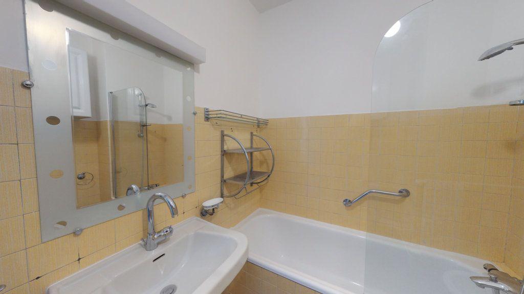 Appartement à louer 4 93.65m2 à Perpignan vignette-14
