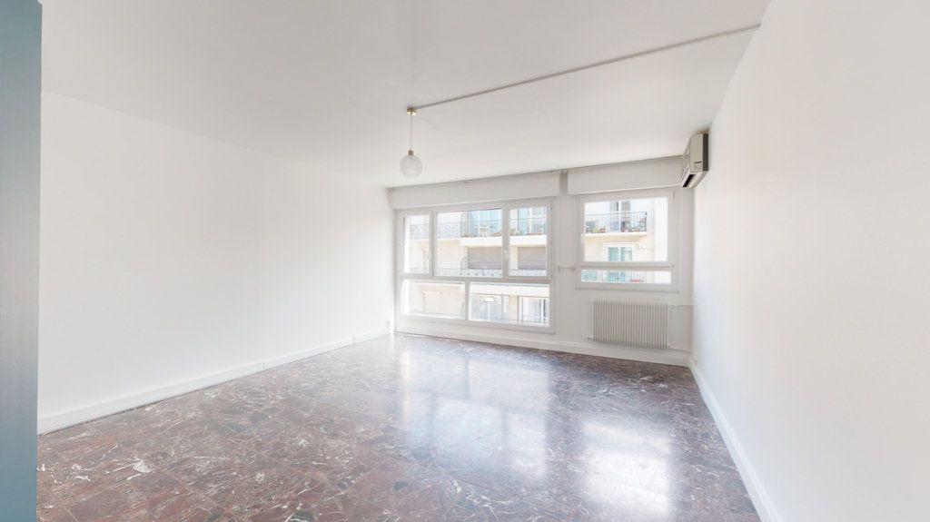 Appartement à louer 4 93.65m2 à Perpignan vignette-18